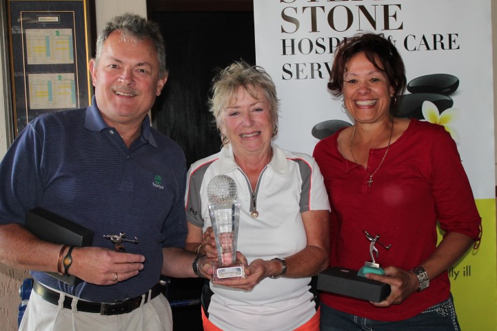 The winning team, Glenn Rannard and Bev Kroutz here with Augustine D'Ewes (middle) who handed over the Marc D'Ewes floating trophy.